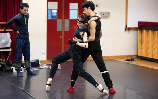 Dancers at the Hong Kong ballet record a scene with Perception Neuron motion capture.